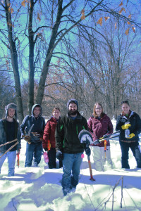 Students clear buckthorn at Schmeeckle. Photo courtesy of Jordan Winkenbach.
