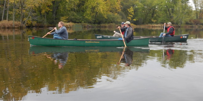 Students, Professionals Paddle Stevens Point Flowage