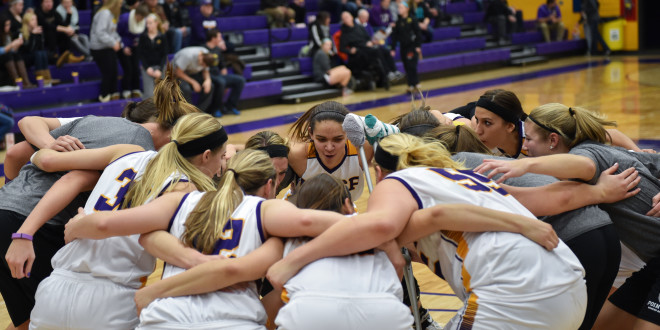 Tough Weekend for UWSP Teams
